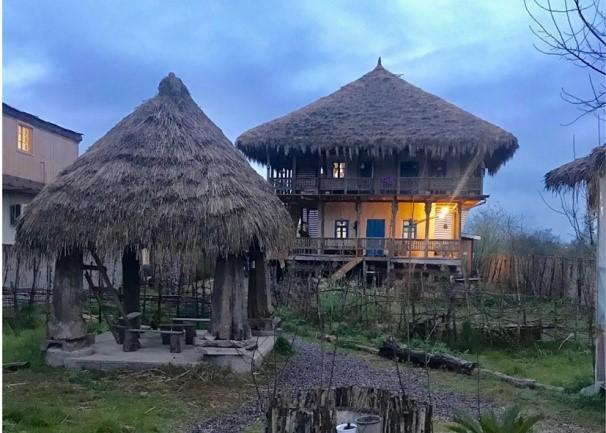 لوتکا، قایقی در کرانههای فرهنگ و توسعه بومی