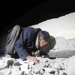 به دنبال اعضای خانواده در زیر آوار- حومه سلیمانیه عراق/خبرگزاری آناتولی ترکیه